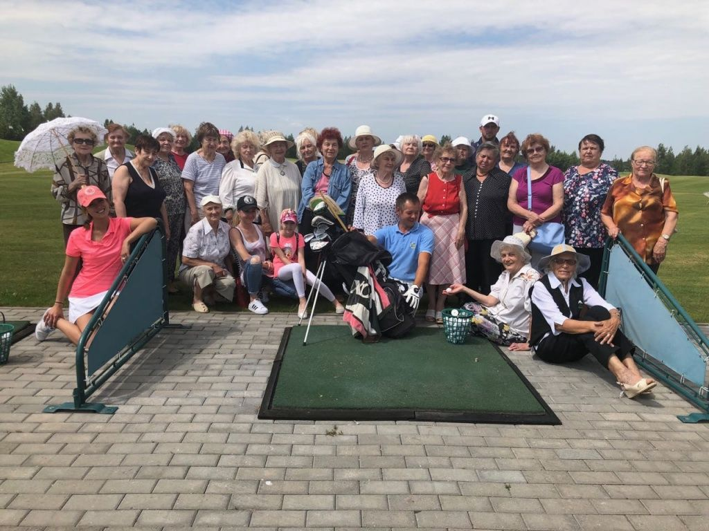 Minsk Golf Club Plays Host to a Golf Clinic for Former Female Inmates of Nazi Regime